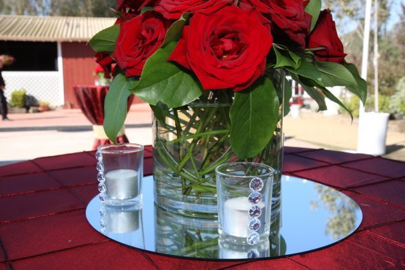 Round Mirror On Table Centerpiece Google Search Wedding Mirror