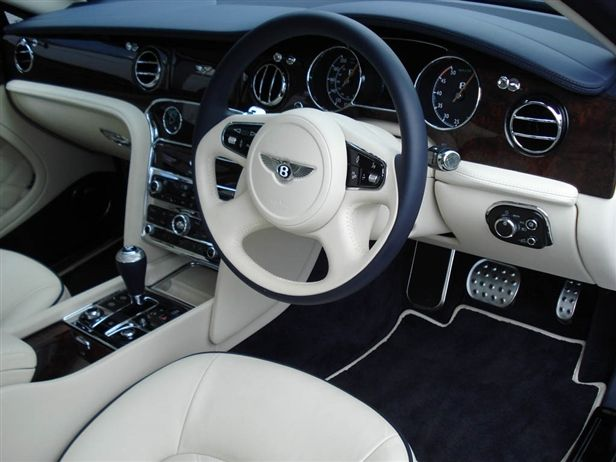 usedcars photo basegrade owned details index of used bentley pre km white mulsanne