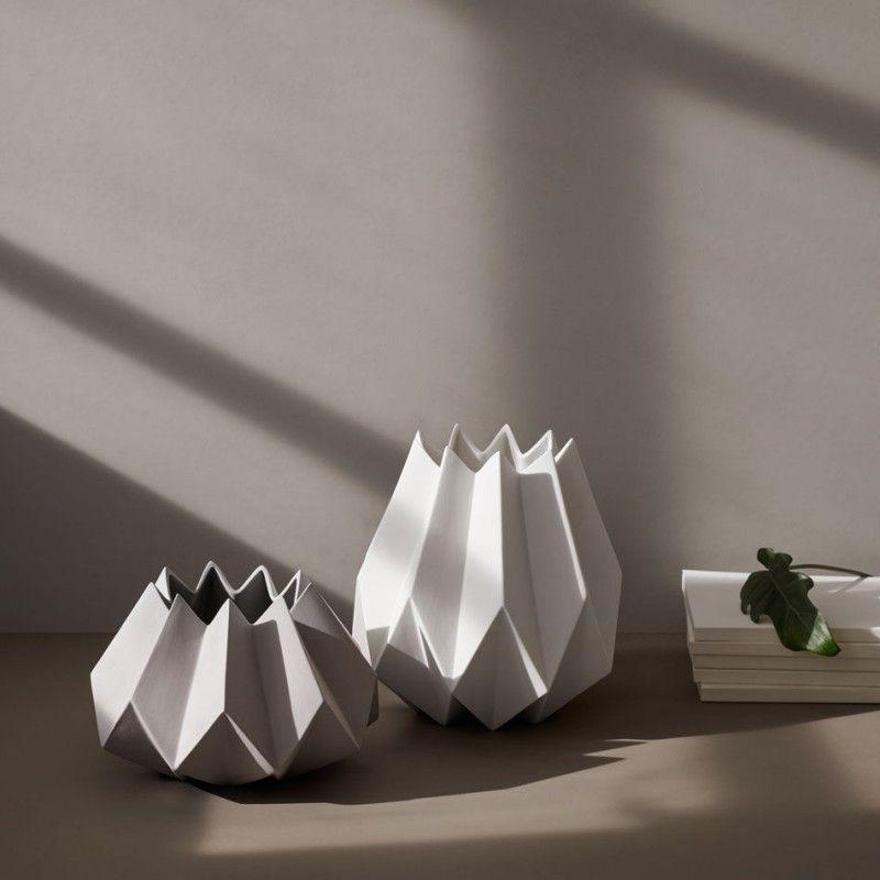 Muster und Geometrie Folded Vase von Menu online kaufen