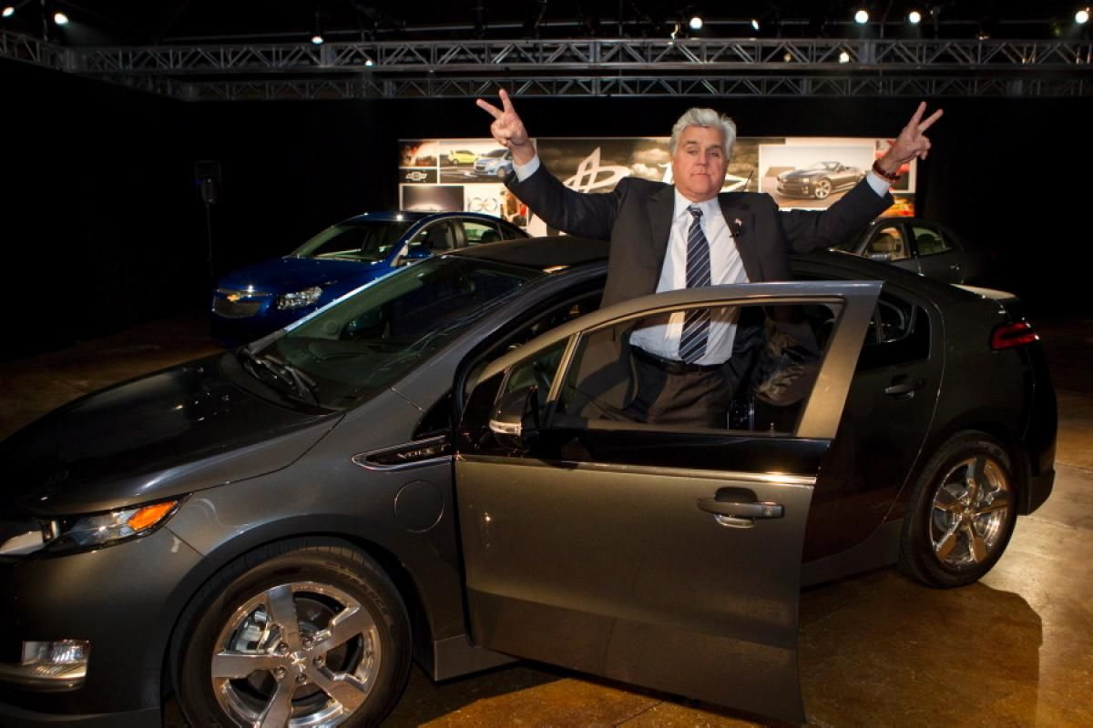 Celebrities And Their Green Cars Chevy Volt Chevrolet Volt Chevy