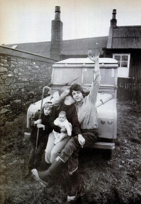 Paul & family...loving the old Rover behind them!