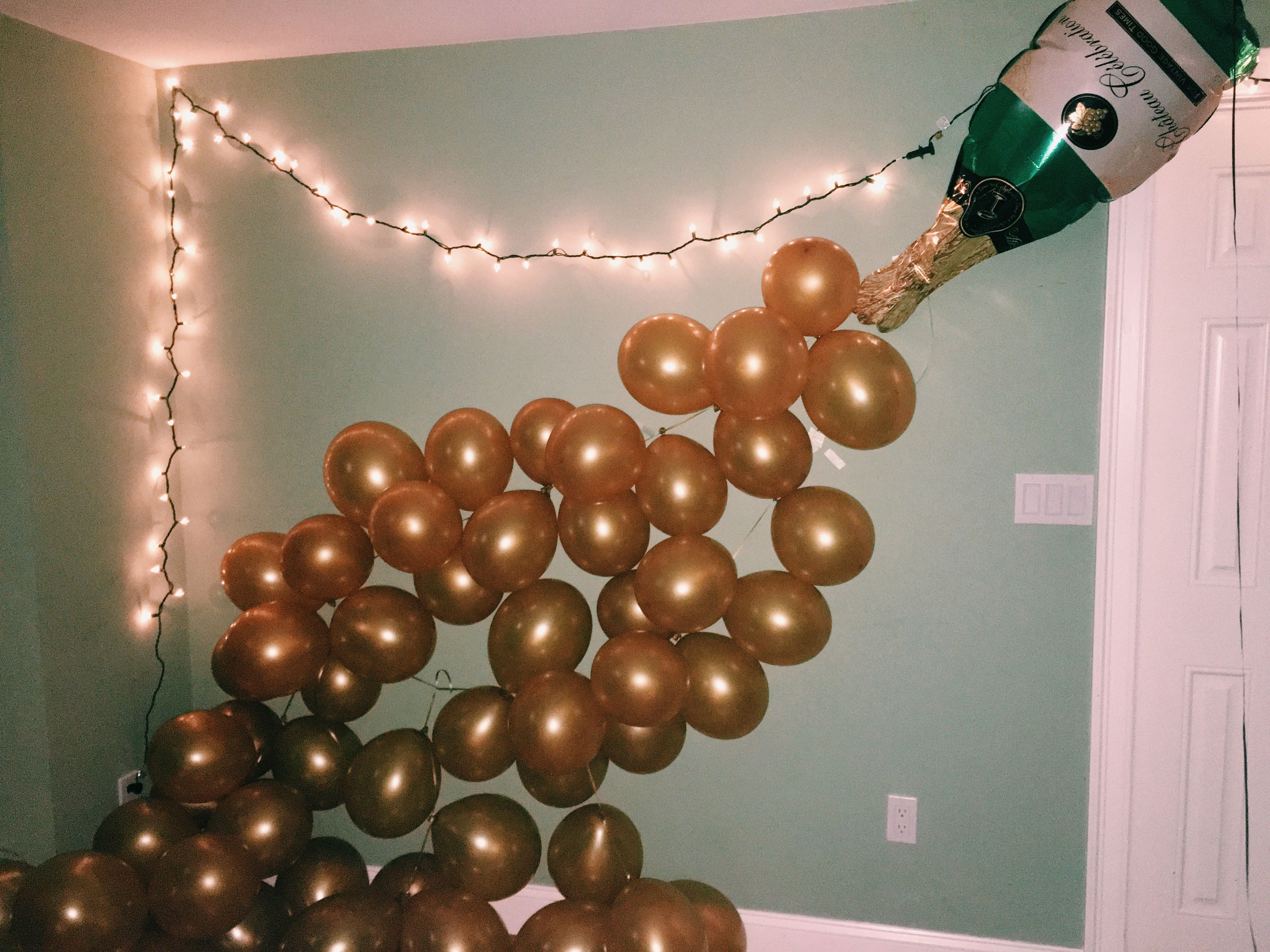 New Year's Eve balloon decoration champagne bottle ...
