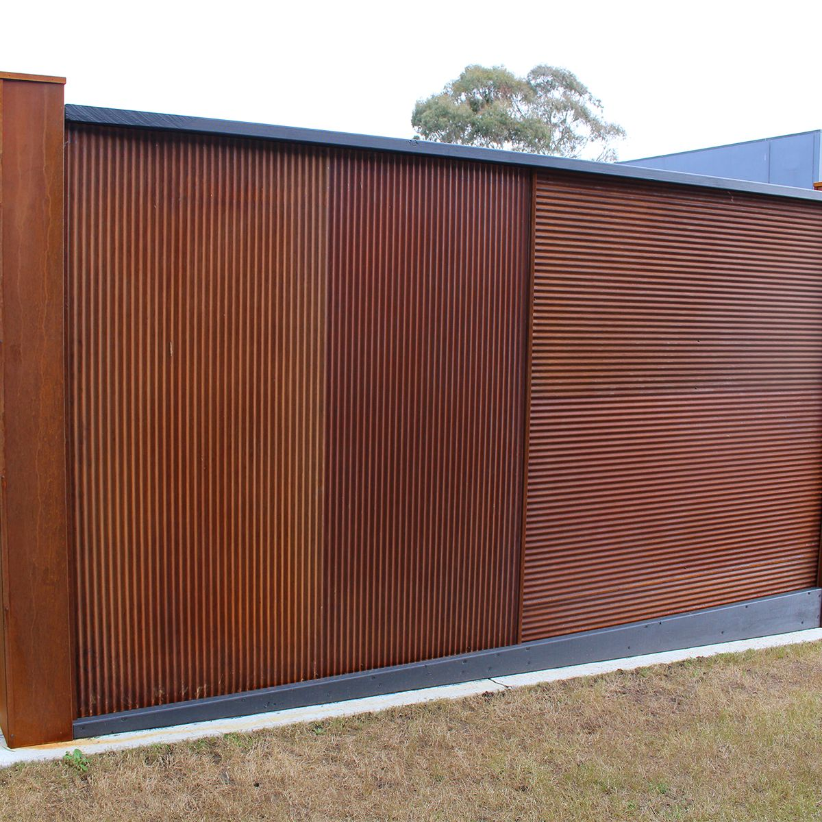 Chippy S Outdoor Stocks The Z Tina Mini Orb Corrugated Rust Metal Sheets These Are A Fantastic Rustic Ad Building A Deck Outdoor Privacy Rustic Garden Fence