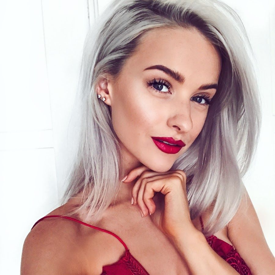 Inthefrow Https Www Youtube Com User Inthefrow Inthefrow Love Her Channel Girlboss Bbloggers Silver Blonde Hair Blonde Hair Red Lips Silver Blonde