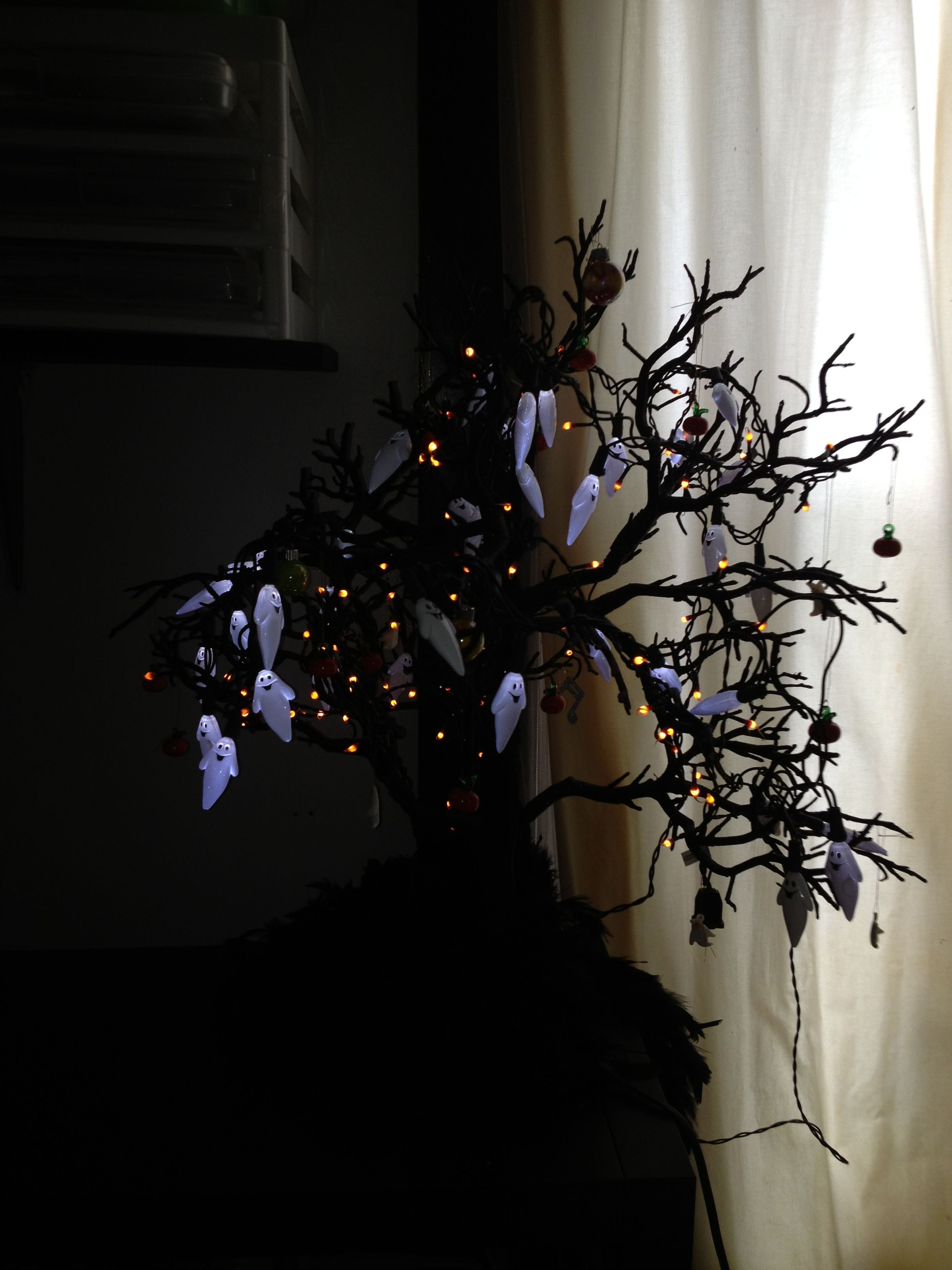 Silver balls with ghosts? Ghost lights, Halloween trees