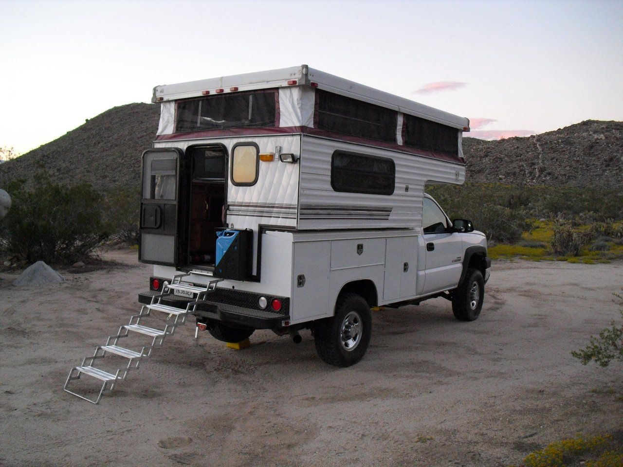 Motorhome With Images Truck Canopy Camping Cabover Camper