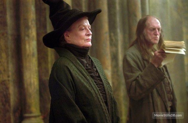 Harry Potter And The Prisoner Of Azkaban Publicity Still Of Maggie Smith David Bradley Prisoner Of Azkaban The Prisoner Of Azkaban Azkaban