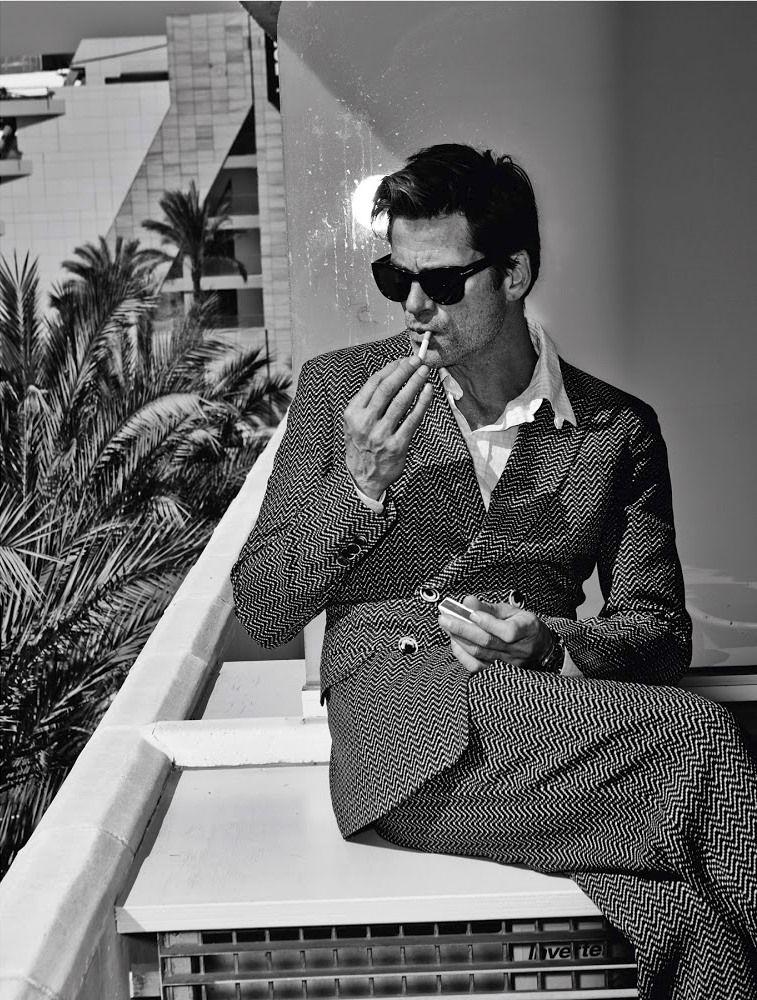 Armani inšpirácia pre pánov. Jednoduchý a vždy elegantný oblek. Hodinky nájdete na   http://www.1010.sk/kategoria/armani/panske-hodinky-armani/
