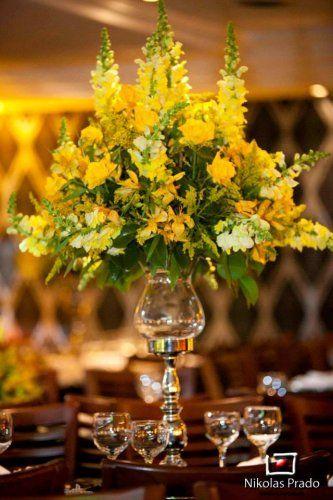 Flores amarelas....Decoração Soli Decorações - Foto Nikolas Prado Fotografia