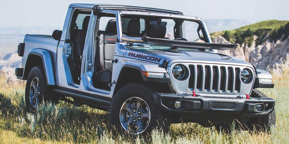 Jeep Gladiator Pickup Truck 2020 First In Years Jeep Gladiator Jeep Truck Pickup Trucks