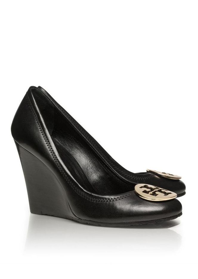 95ff3d564a tory burch black wedges with gold insignia | Shoe Frenzy | Shoes ...