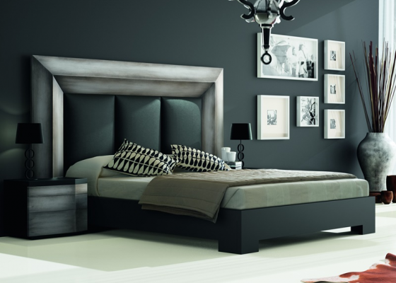 dormitorio lacado en plata rozada con plafn central del cabecero tapizado en polipiel negro mod