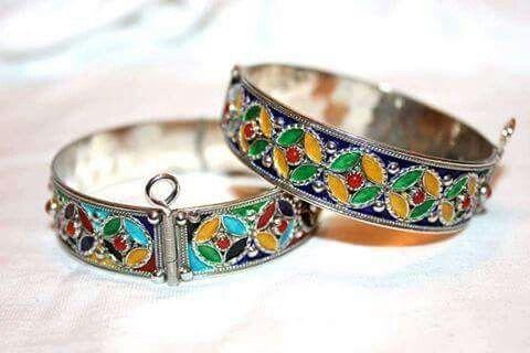 sélection premium 31324 6efbc Bracelets en argent, émaux et corail, bijoux berbère de ...