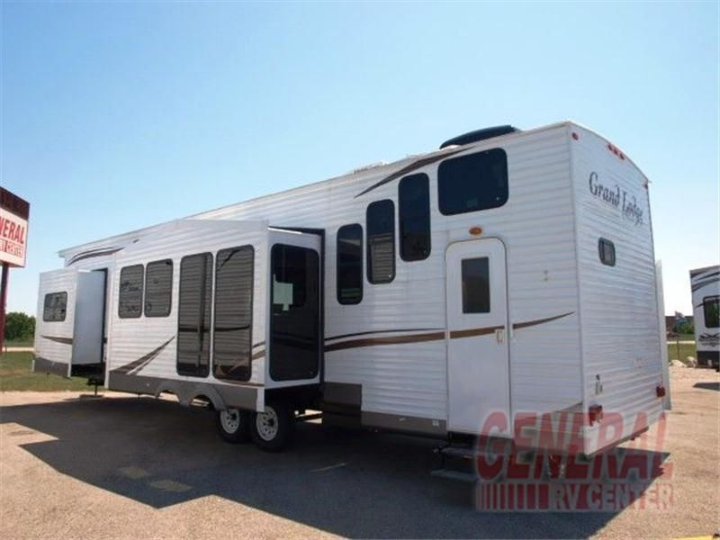 New Travel Trailer Summer Digs New Travel Trailers Travel