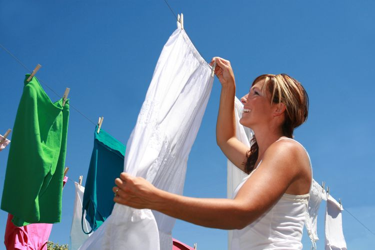 Heres how to use bleach to dye clothing white laundry