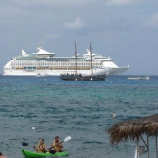 Voyager Of The Seas Grand Cayman I Loved Loved Loved This Cruise - Grand voyager cruise ship