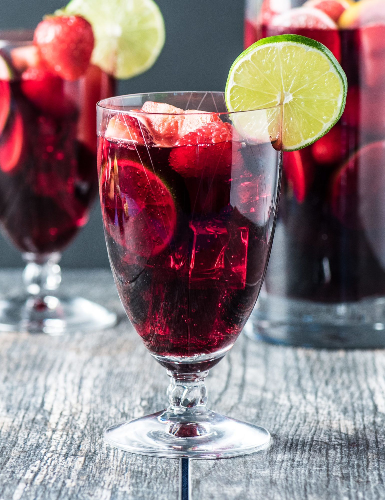 Low Carb Red Sangria Tasty Low Carb Recipe Red Sangria Winter Sangria Recipes Red Sangria Recipes