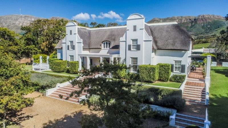5 Bedroom House For Sale In Constantia Upper A Connoisseur S Choice A Class Of Its Own Http Www Jawitz Co Za Prop Luxury Real Estate Property House Styles