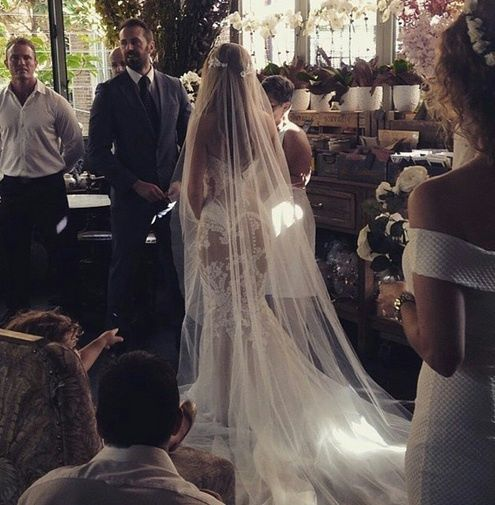 Stunning Wedding Dresses Tumblr : 36 stunning wedding veils that will leave you speechless veil