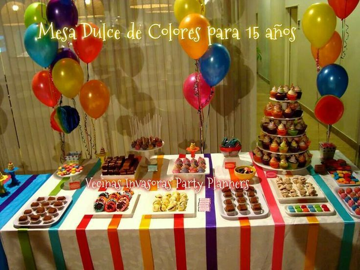 Decoracion fiesta juvenil colorida buscar con google for Mesas dulces cumpleanos adultos
