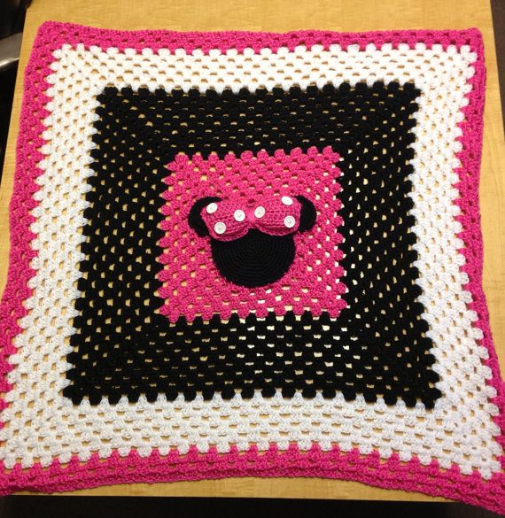 Minnie Mouse Crochet Baby Blanket on Etsy, $59.99 | Working with ...