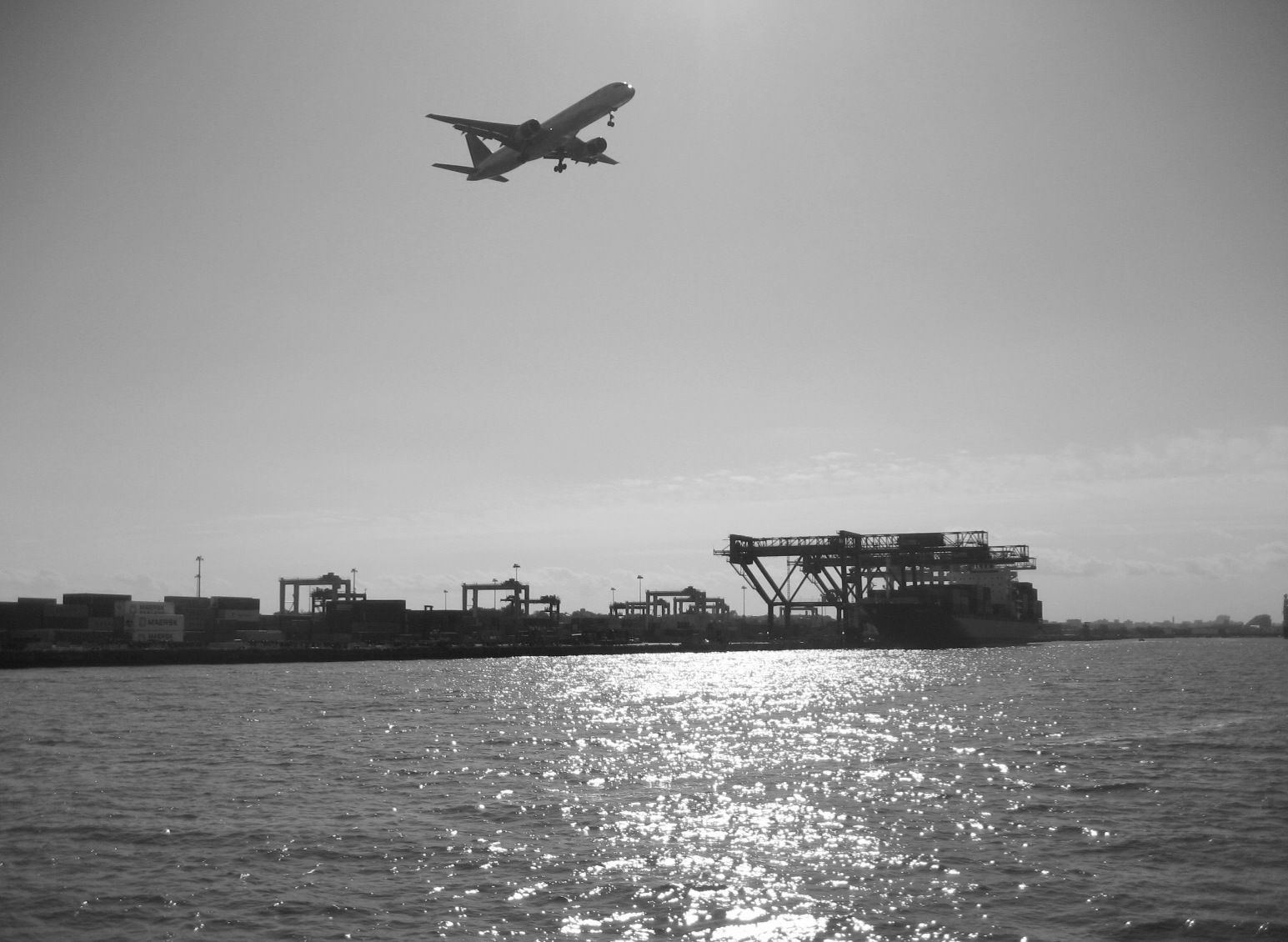 starting plane and container harbour
