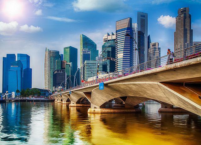 #Singapore #Bridge by Anek Suwannaphoom on flickr