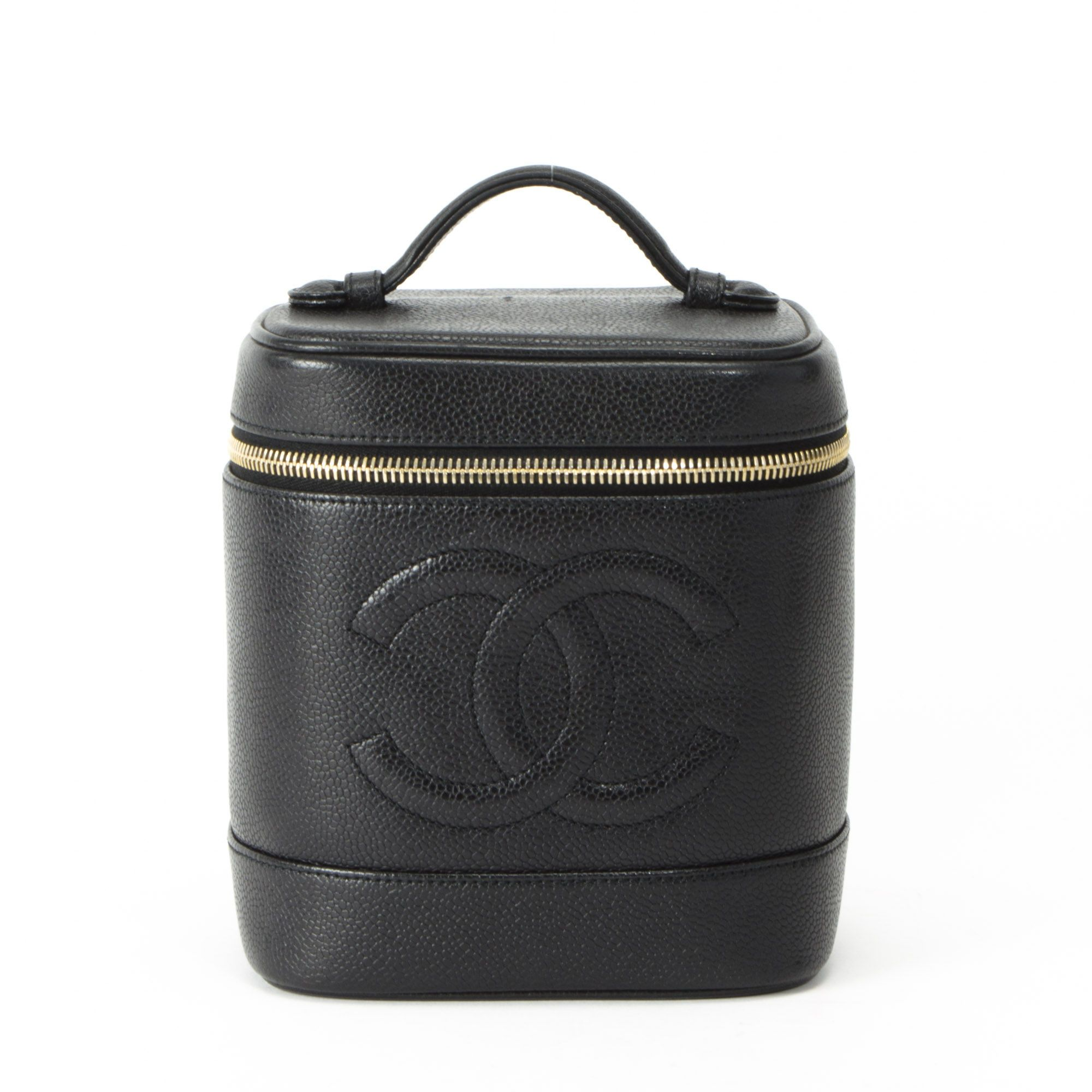 Chanel Makeup Bag I can imagine a makeup artist owning