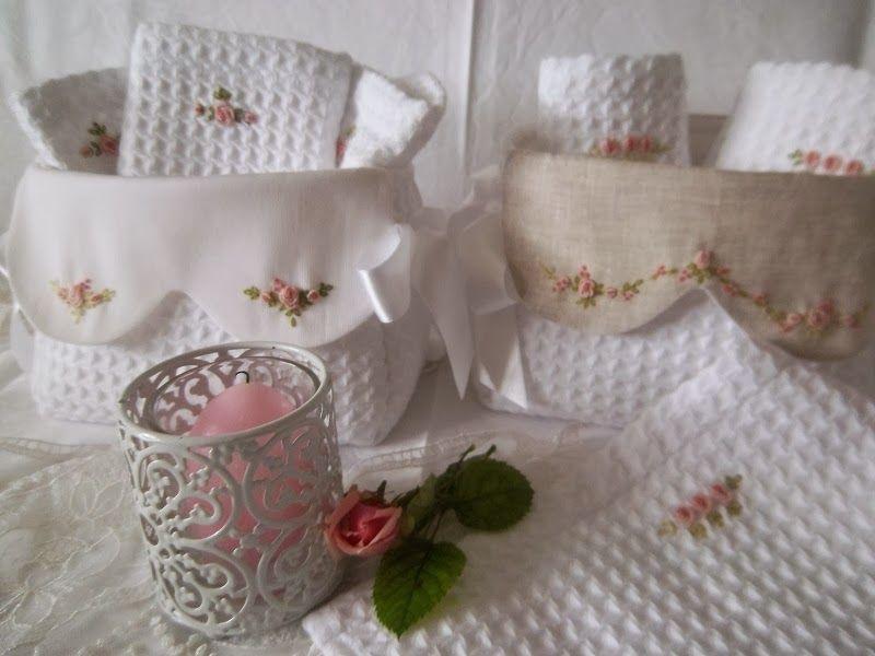 Portasciugamani bagno ~ Lavanda e lillà cestini da bagno con lavette ricami