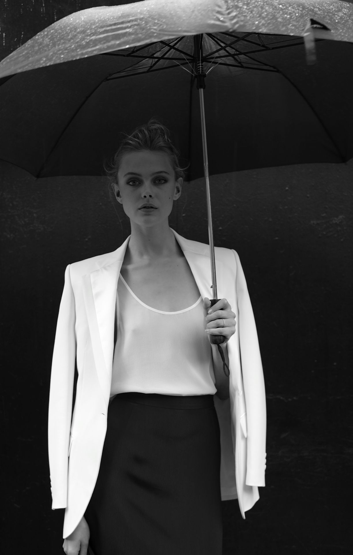 FRIDA GUSTAVSSON OUTSIDE 237 LAFAYETTE BEFORE THE CFDA AWARDS LAST NIGHT. PHOTOGRAPHED BY JOHAN.