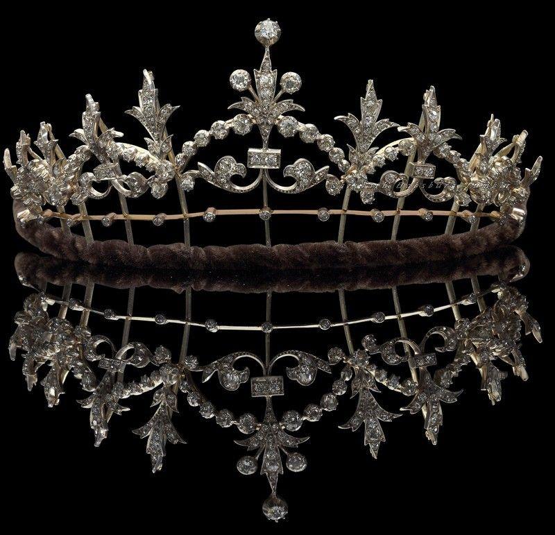 """Carolathhabsburg: """"Tiara de diamante. Por volta dos anos 1890. """""""