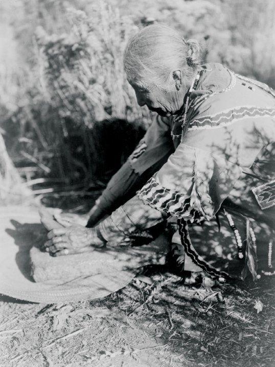 Klamath woman - 1903 #native #americans