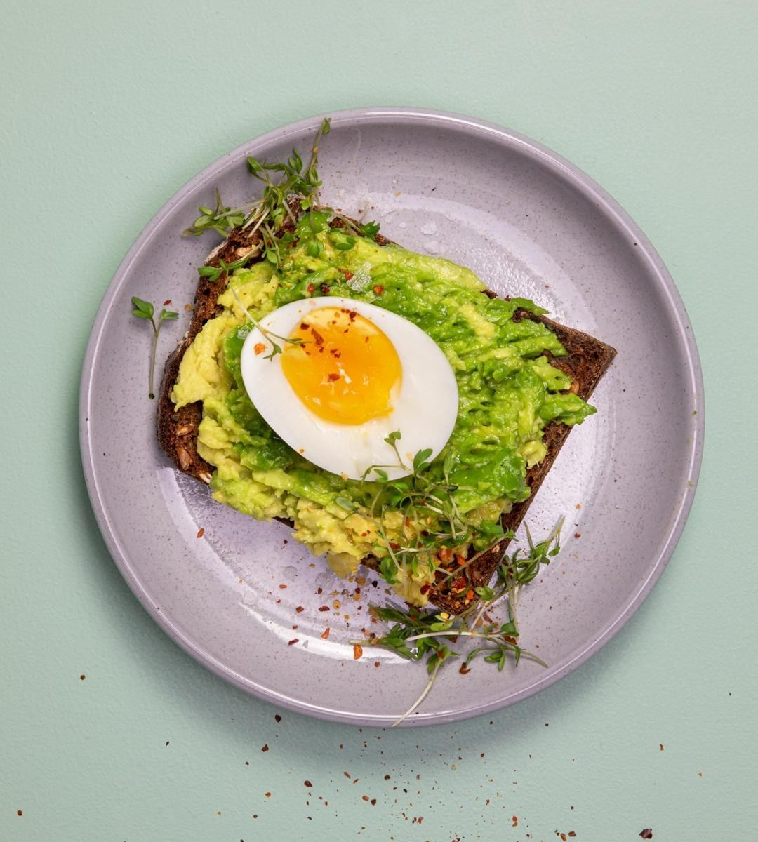 """Lifesum on Instagram: """"Pea toast with boiled egg for those ..."""