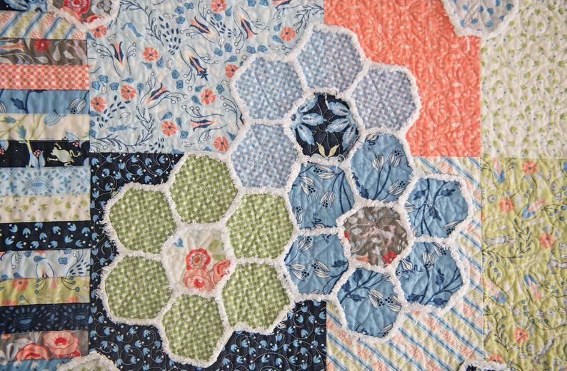 Hexie Gone quilt kit, MODA Bloomsbury, Fat quarter