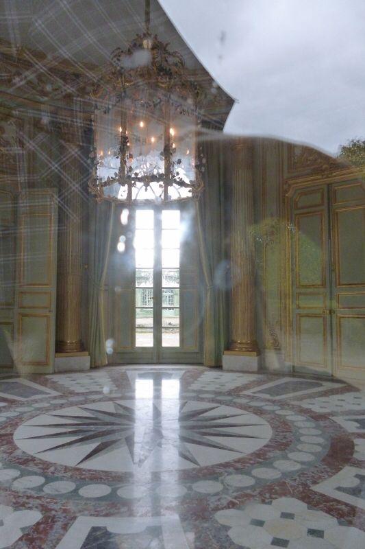 マリー・アントワネット (Marie Antoinette) 小トリアノン宮殿(le Petit Trianon)ヴェルサイユ宮殿(Château de Versailles) | ヴェルサイユ宮殿(Château de Versailles) | Pinterest