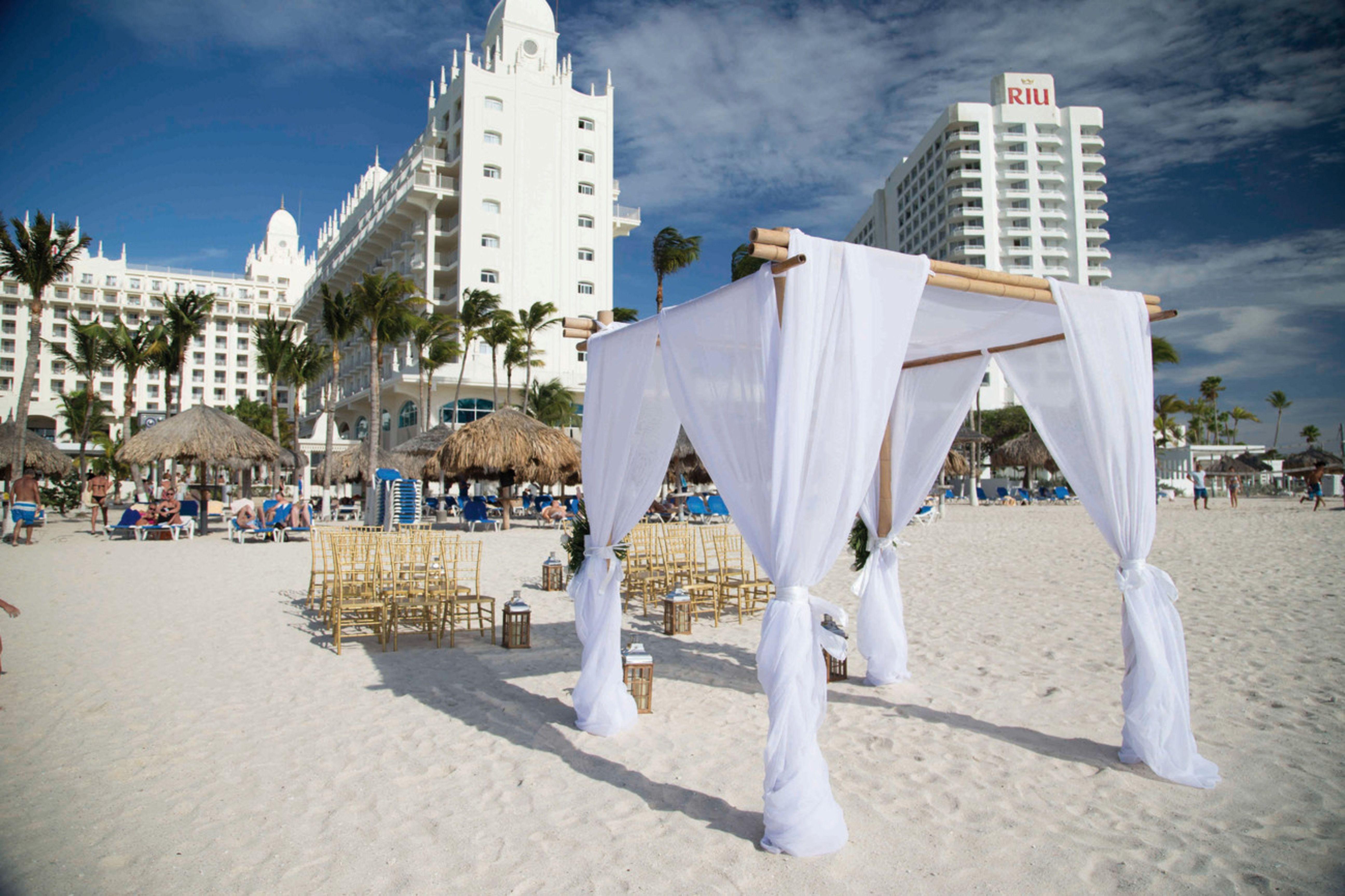 Beach Wedding Setting At Hotel Riu Palace Aruba Destination In Palm On The Hotels Resorts