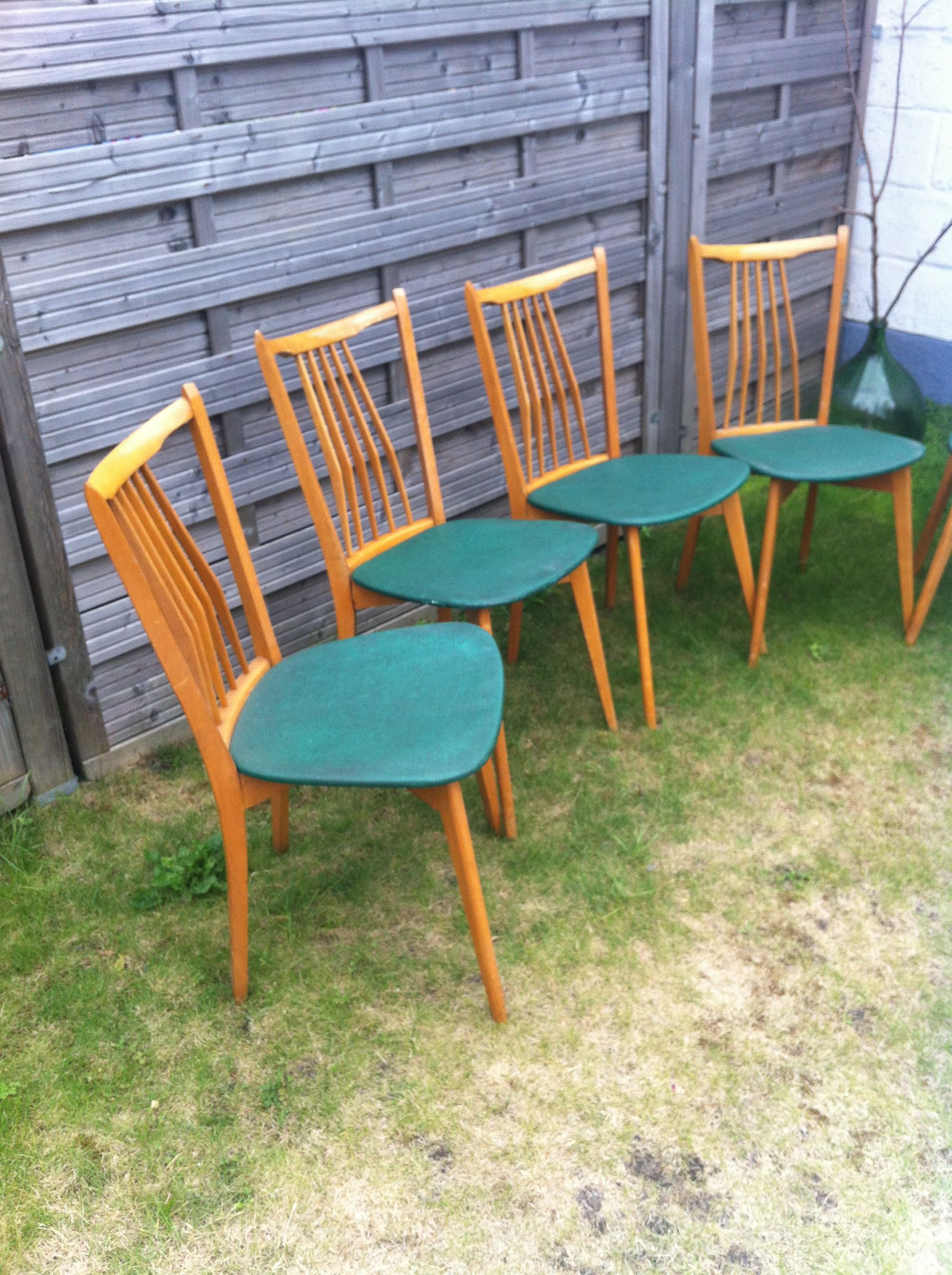 Chaises Scandinave Verte Tontonpol Decoration Et Ameublement Chaise Scandinave Ameublement