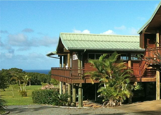 A Great Home That S Completely Off The Grid In Haiku Maui House Styles Outdoor Decor Water Catchment