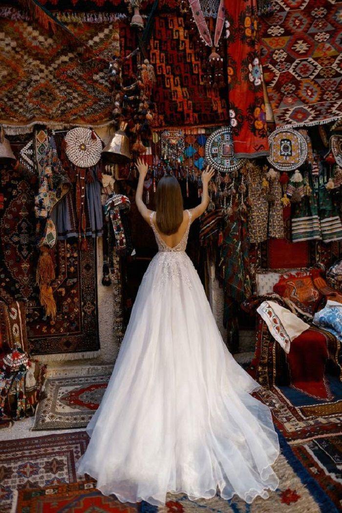 Beautiful wedding dress - Liz Martinez Fall Winter 2019 Wedding Dresses #weddingdress #weddinggown #bridedress