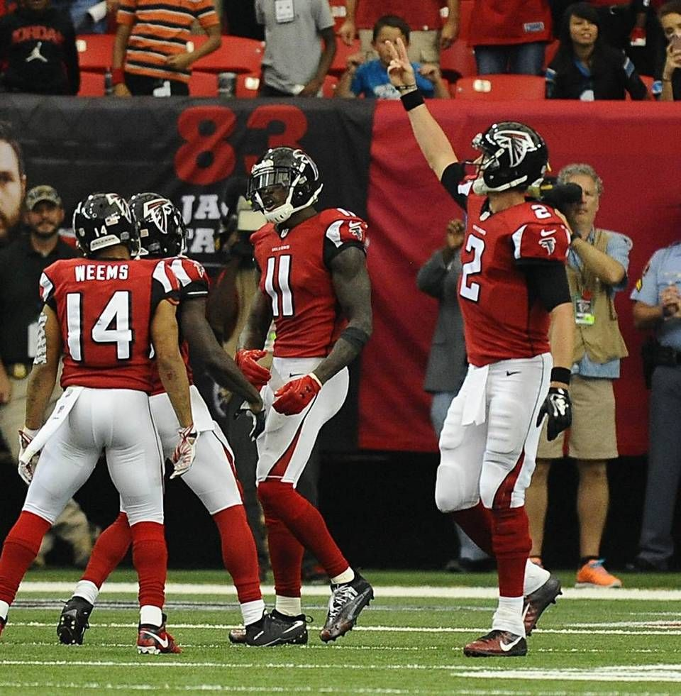 Atlanta Falcons Quarterback Matt Ryan 2 Celebrates With Teammate Wide Receiver Julio Jones 11 On Carolina Panthers Atlanta Falcons Atlanta Falcons Football