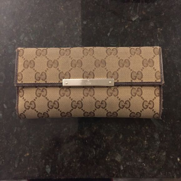 5679c9990002 Gucci trifold wallet with signature GG logo Gucci Brown Canvas Continental  Wallet 100% authentic Made in Italy GG traditional logo canvas with brown  leather ...