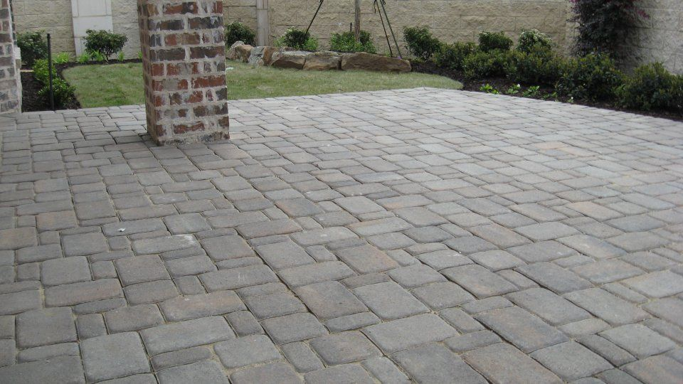 How to Patio Pavers | Patio-Pavers-Cambridge-Cobble-in-Silex-Grey ...