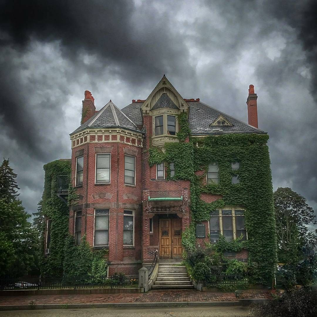 video portland victorian mansion - HD1080×1080