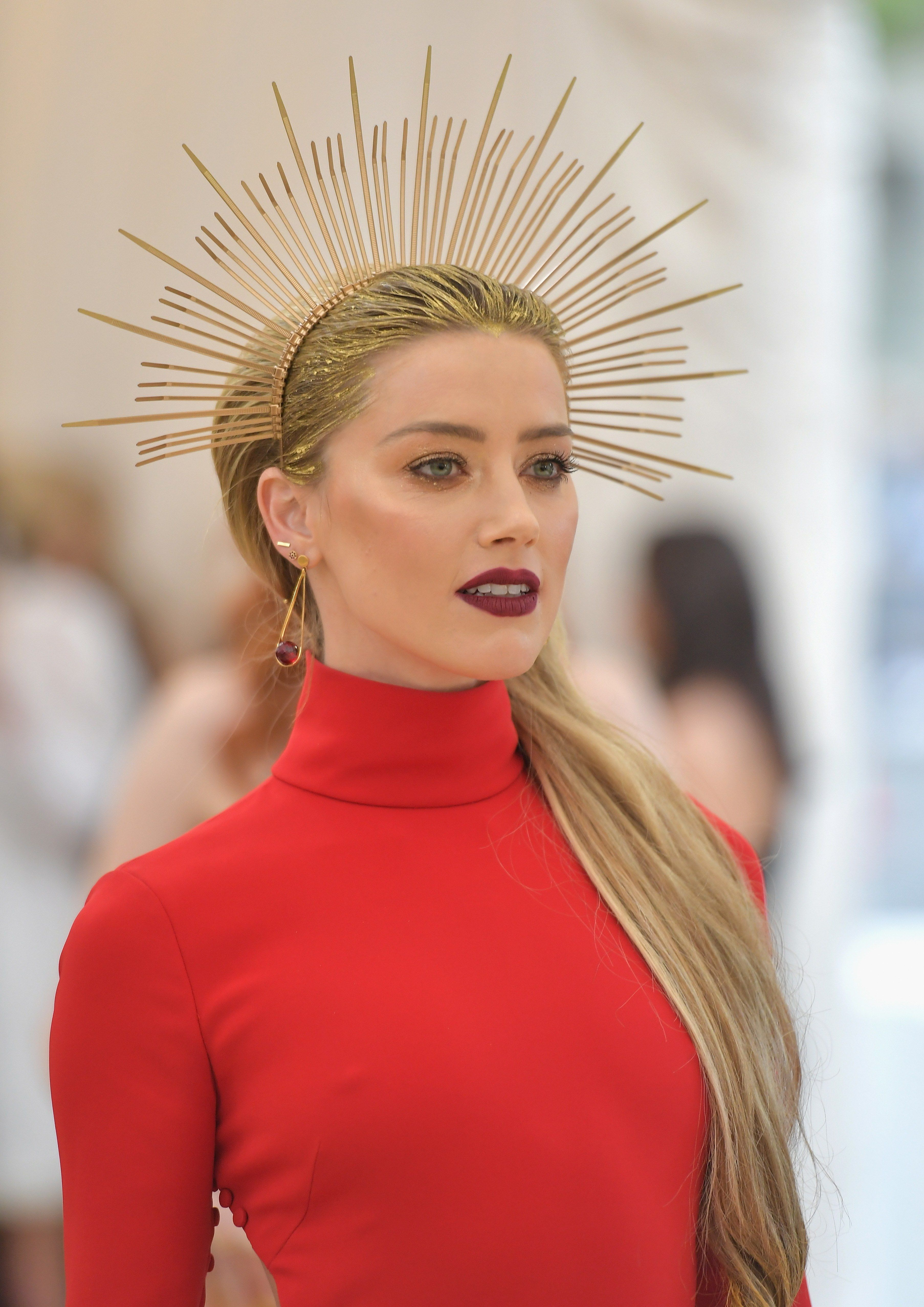 All The Stunning Crowns Celebrities Wore At The 2018 Met Gala Met Gala 2018 Met Gala Red Carpet Met Gala