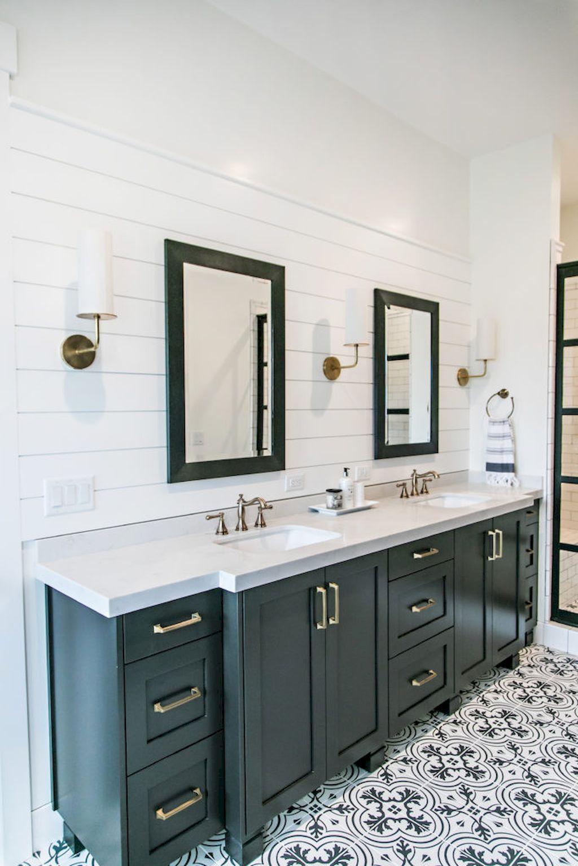85 Farmhouse Master Bathroom Decor Ideas | Master bathrooms, Bath ...