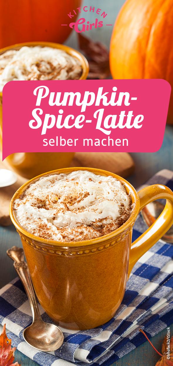Ein herbstlicher Genuss:Pumpkin-Spice-Latte selber machen! Wenn die Tage immer kälter werden, kuschelt man sich gerne Zuhause in eine Decke ein und trinkt ein Heißgetränk. Überzeugen Sie sich selbst von dem Rezept. #Herbst #Heißgetränk #Latte #Rezept #Genuss #Kürbis #rezepteherbst