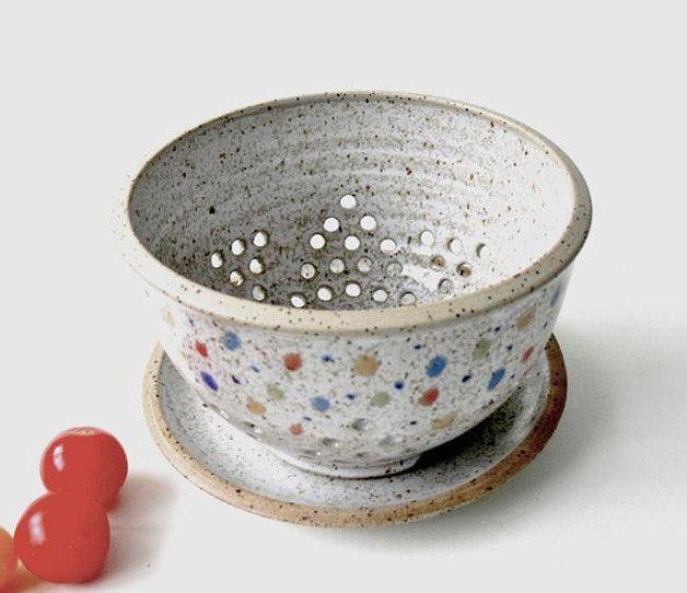 Schüsseln & Schalen - Obstsieb - Durchschlag mit Teller - ein Designerstück von keramik-Annette-Oberwelland bei DaWanda