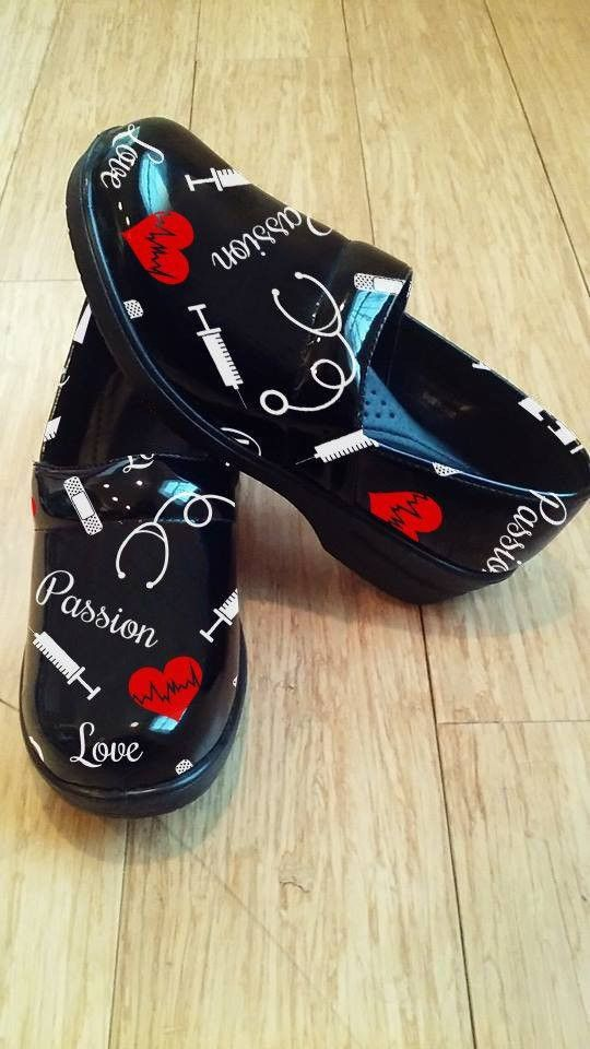 9920938c21 A Clog Theme Nurse Shoe (Limited Quantity) | Nursing Student ...