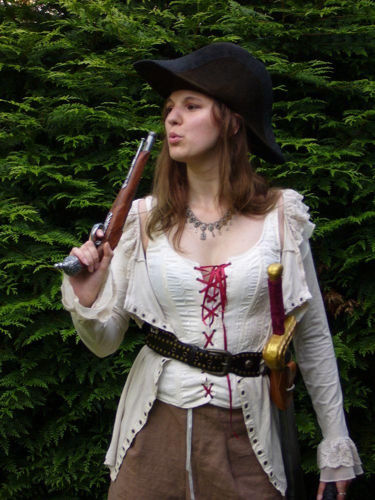 Adelaide de Forbin personnage lors du0027un GN Pirate  sc 1 st  Pinterest & Adelaide de Forbin personnage lors du0027un GN Pirate | BUCCANEERS ...