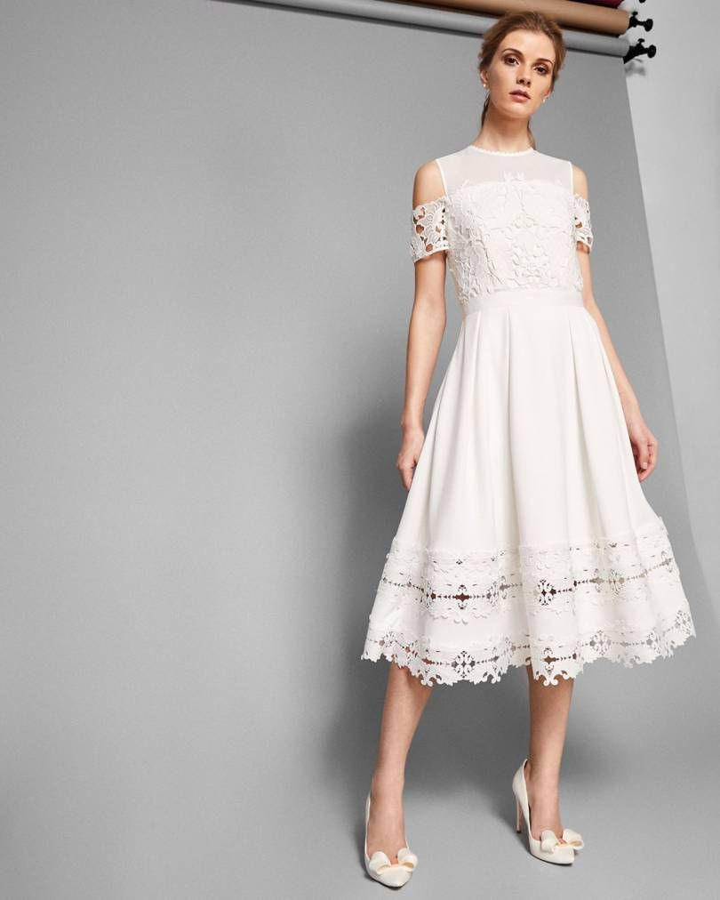 35 Beach Wedding Dresses Perfect For A Seaside Ceremony Dress In